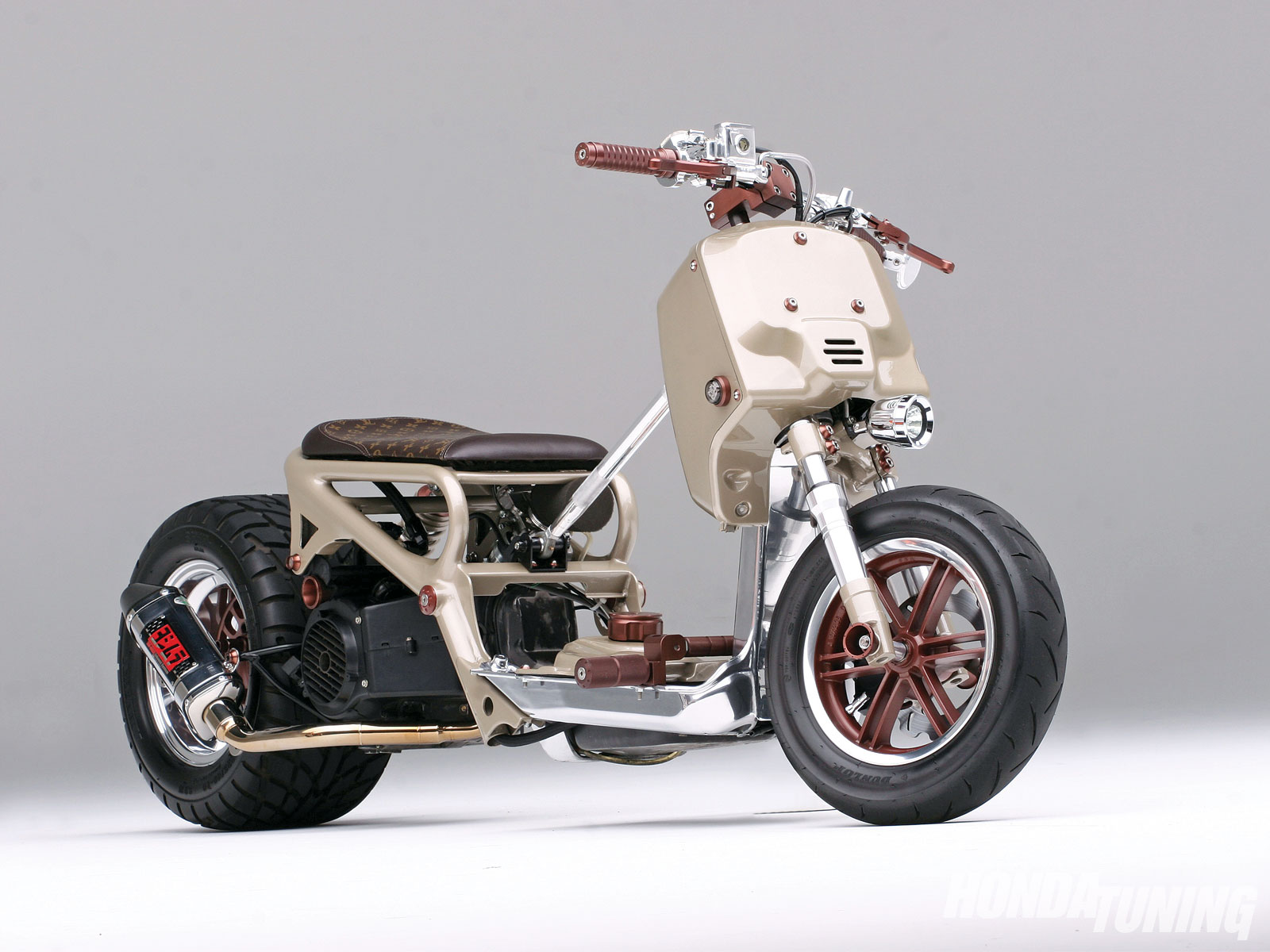 htup_2101_05_o 2004_honda_ruckus right_side_view