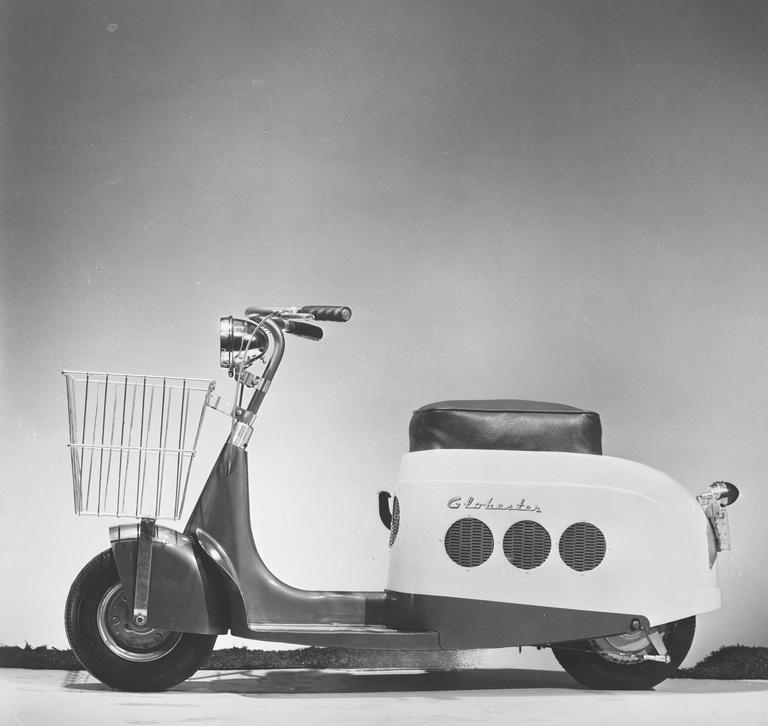 Brooks-Stevens-Globester-Motor-Scooter-3