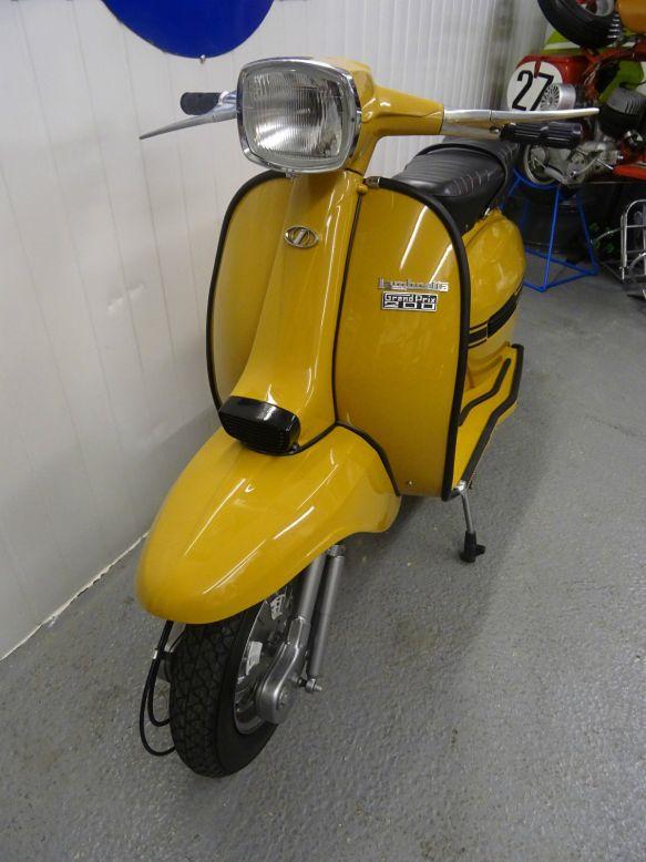 YellowGP200-eB