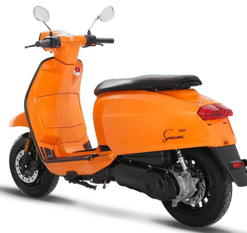 Lambretta-V-Special-Scooter-10-1