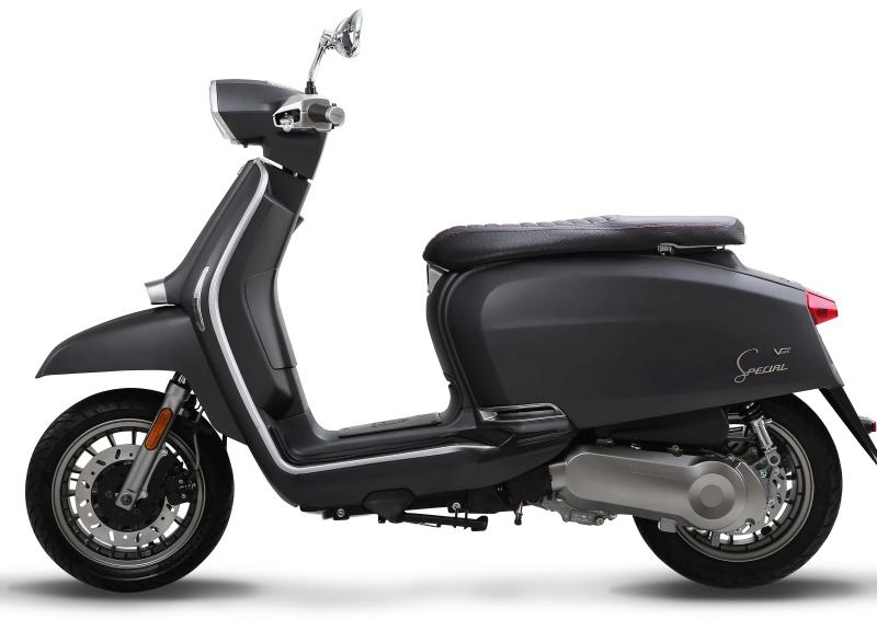 Lambretta-V-Special-Scooter-11-1