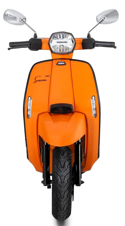 Lambretta-V-Special-Scooter-3-1