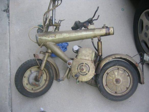 201112817034_squashedscooter